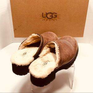 UGG- fully sheepskin lined rubber sole clogs- 8